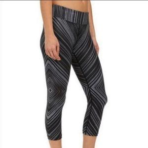 Prana Grey Diamond Striped Crop Athletic Legging